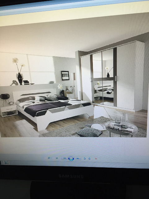 Schlafzimmerset (180cm Bett, 225cm Schrank, 2 Kommode)