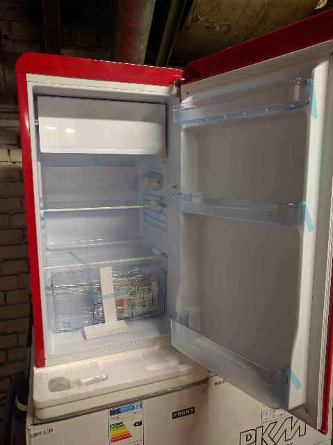 Kühlschranke in verschiedenen Farben und Modellen *NEUWARE*
