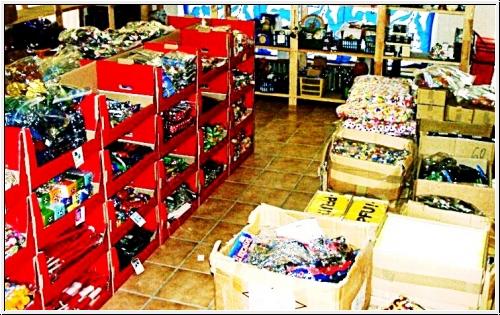 Saisonware Großhandel: 01-PO1, Wurfmaterial Karneval Fasching, Riesen auswahl, kleine Preise, auch Give Away usw, ALLES NEUWARE