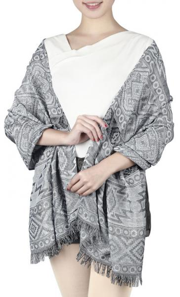 Scarf with lines and ethnic patterns in grey-light grey