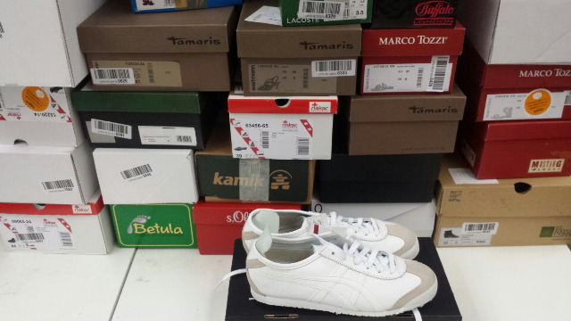 Marken Schuhe Nike Puma Adida Tamaris USW