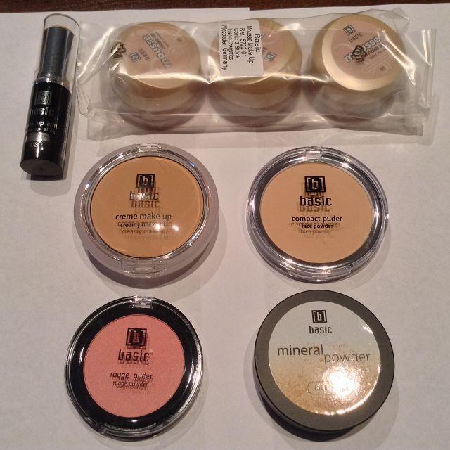 C H R I S T M A S - S A L E !!! C H R I S T M A S - S A L E !!! Kosmetik Mascara Lipstick Nailpolish Eyeshadow Puder Makeup Make Up Kajal Komplett-Sortiment