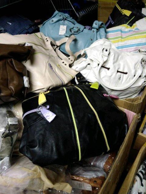 400 Taschen Restposten grosshandel