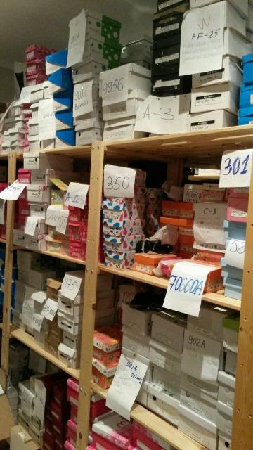 Geschäftsauflösung ,Geschäftsaufgabe,  Ebay Shop ,Schuhe,Textilien für Damen Herren und Kinder.