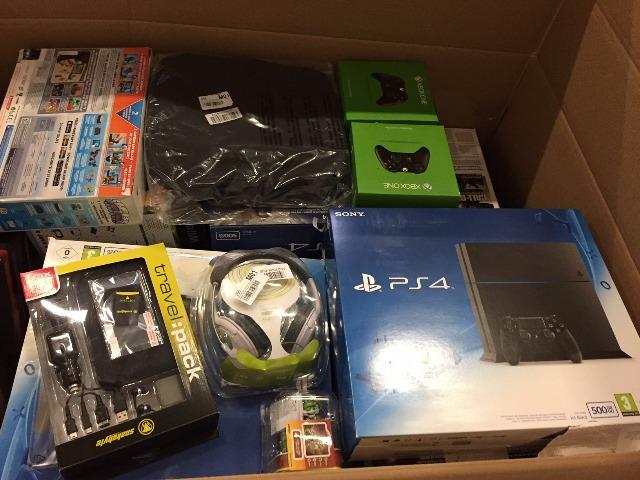Konsolenzubehör Playstation, Xbox, Wii: 3D Brillen, Headsets, Controller, Lenkräder, Ladegeräte u.v.a.