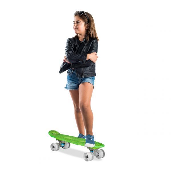 Skateboard mit LED Deck und Rollen