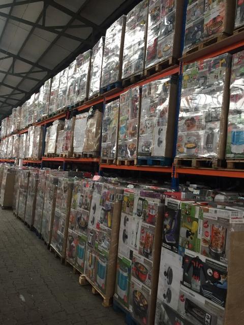 Mixpaletten Mischboxen A-Ware Textilien Aldi + Lidl Sonderposten ab 3,90 € pro Kg LKW Container für EXPORT