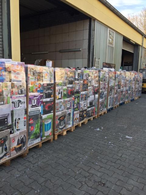 Mixpaletten Mischpaletten Elektro Küchengeräte unsortierte B+C Ware LKW Container EXPORT 250 €