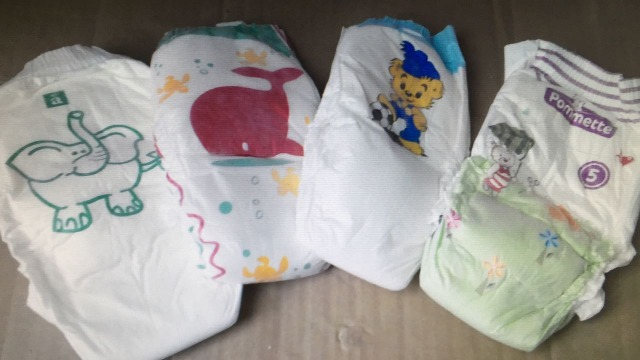 Baby Windeln in Ballen // Baby Diapers in Bales made in France