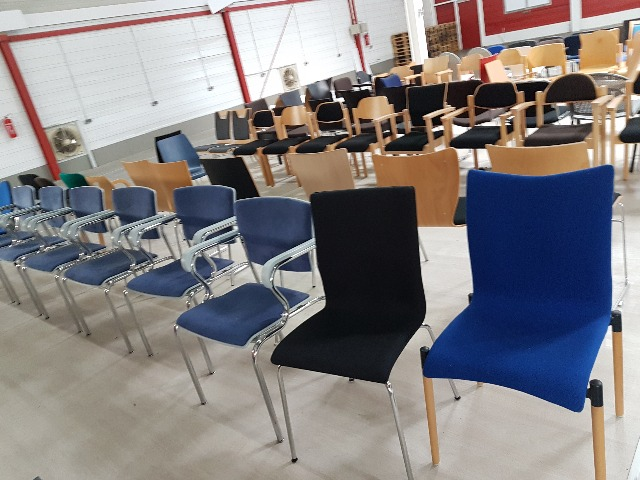 RESTPOSTEN,120 Stk. Bürostühle, Büro Möbel, Stühle, Stuhl, office chairs