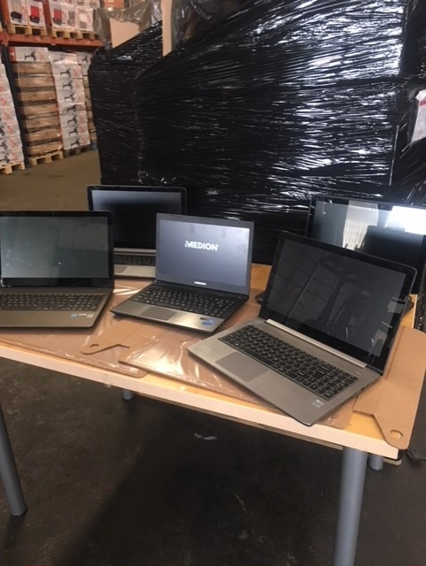 Sonderposten/ Restposten Laptops,Notebooks,ca 1300 Sück Export