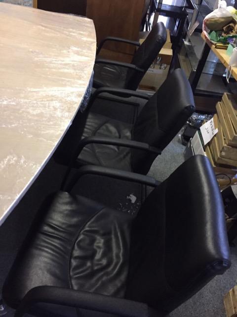 Büromöbel, Empfang / Konferenztisch im Set und Bürostühle komplett 1500 Euro