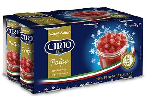 Cirio - traditionelle italienische konservierte Tomaten in Blechdosen