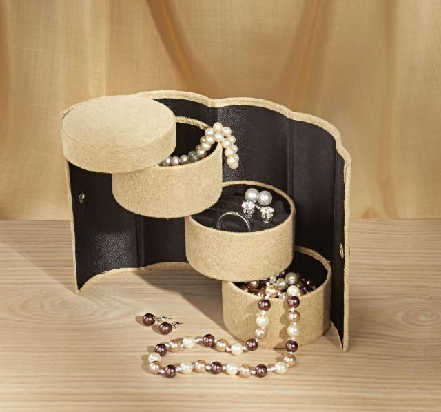 Schmuckbox mit 3 Fächeretagen