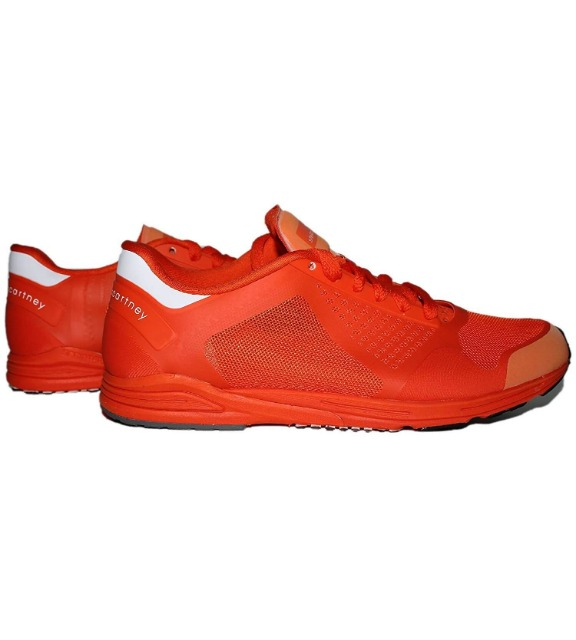 Sports Shoes from International Brands