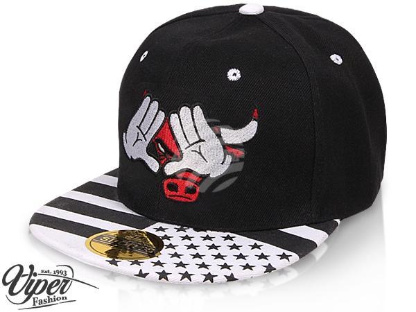 "CAP-85 Snapback Flatbrim Cap ""Bulls"" Farbe: schwarz / weiß"