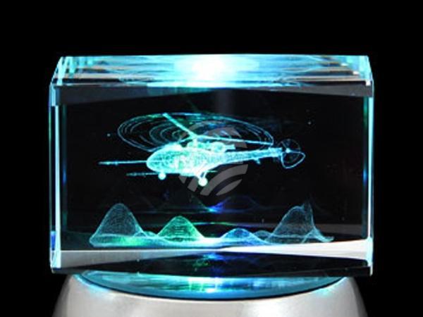 KQ-117 Kristall Quader Motiv: Helikopter Farbe: klar