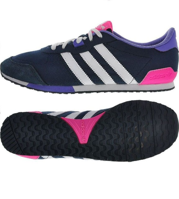 Sports Shoes from International Brand