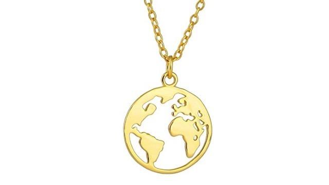 Damenkette mit Welt Anhänger. Kette aus 925 Sterling Silber 14K Gold Plattierung. Länge der Kette 40+5cm (extra).