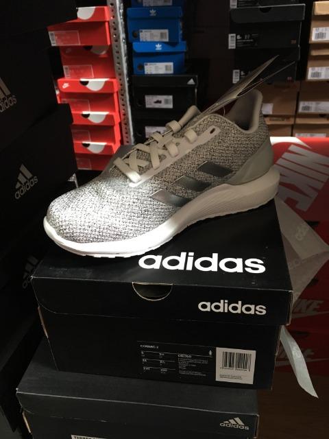Adidas, Nike, Reebok, Puma, New Balance! Neue Markensportschuhe zu verkaufen! 30 000 Paare ab 4.90 EUR, 1A Ware knallhart reduziert!