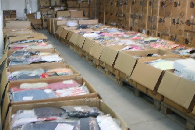 1,30 €/St. , 5.000 St. , 1-A Ware Kleidung Textilienmix Damenbekleidung Herrenbekleidung Sonderposten Restposten Palettenware Sommer Bekleid