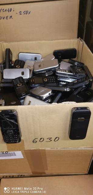 Restposten von 10.000 Smartphone/Handys von Nokia 6000 Serie im Mischposten