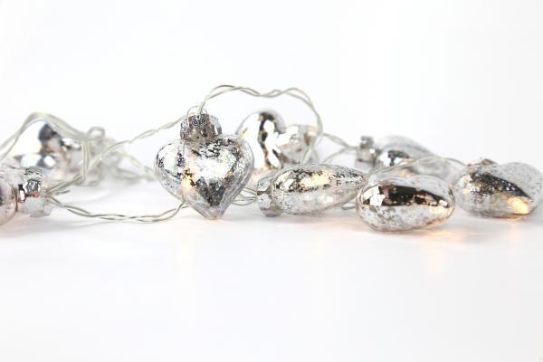 Lichterkette mit silbernen Glasherzen Weihnachtsdekoration