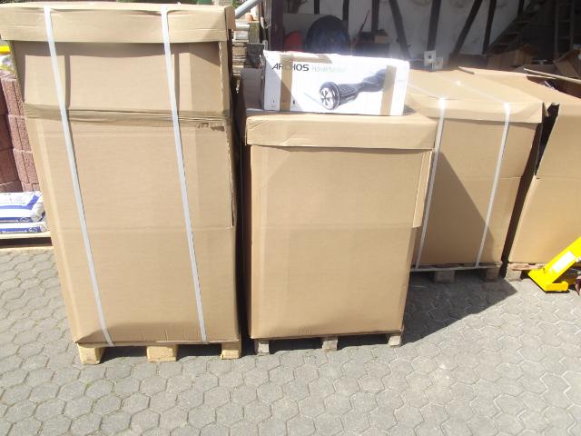 3 Paletten Hoverboards Retouren - etwa 75 Stück